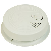 Craftmade Smoke Alarm AC with 9V Battery Backup in White SS5304